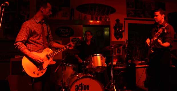 JW Jones LIVE – 109 Fotos von der Band und dem Publikum